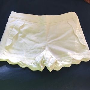 Beautiful scallops trimmed shorts